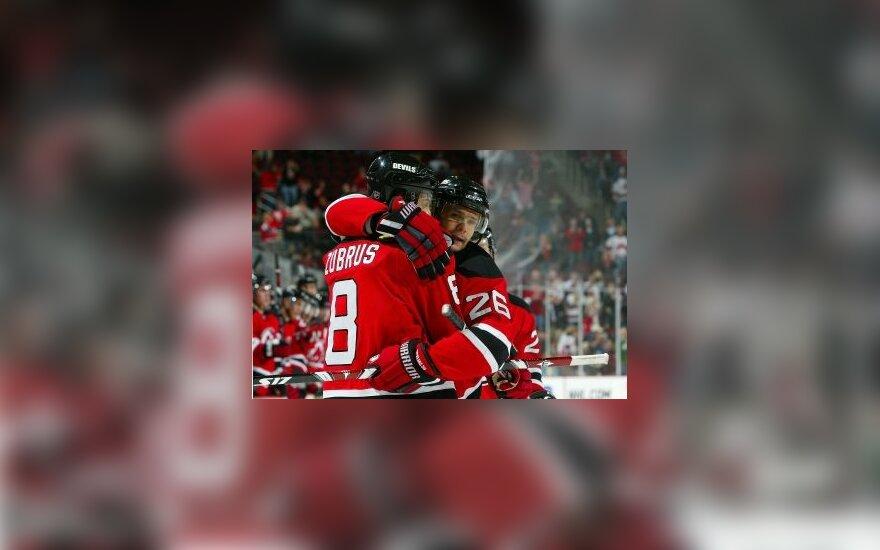 NHL rungtynėse D.Zubrus atliko rezultatyvų perdavimą