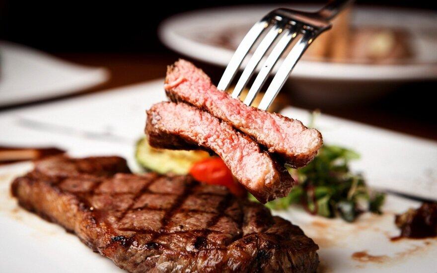 Mitybos patarimai: kuo pakeisti raudoną mėsą, kad nepritrūktume vitaminų?