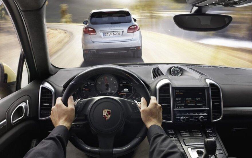 Priminimas vairuotojams: galite prarasti teisę vairuoti!