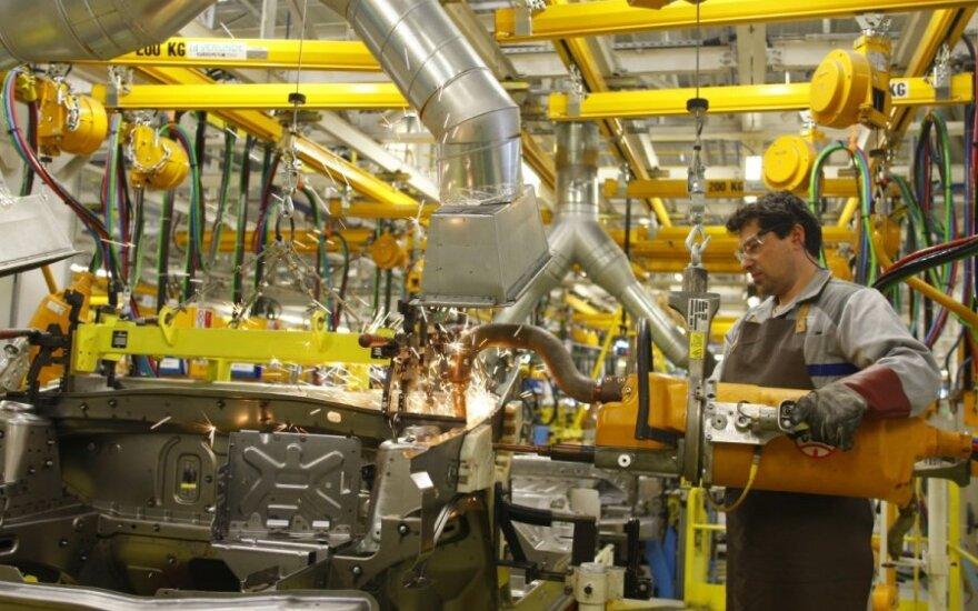 Didžiojoje Britanijoje smuko automobilių gamyba