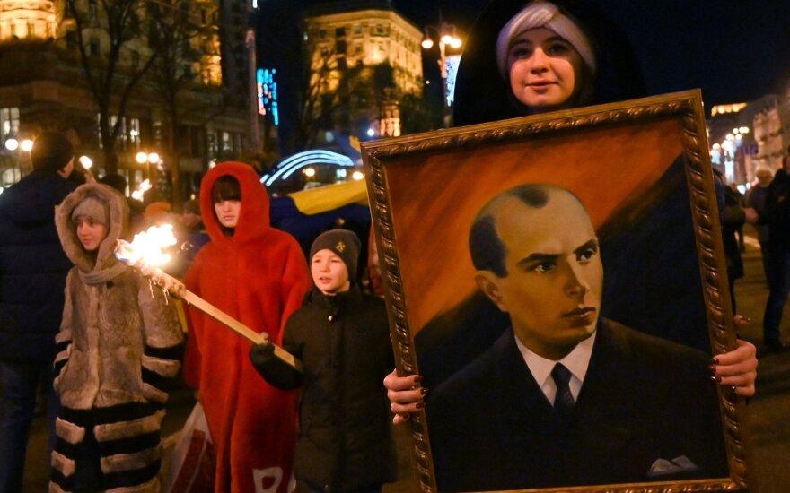 Kijeve surengta deglų eisena nacionalistui S. Banderai pagerbti