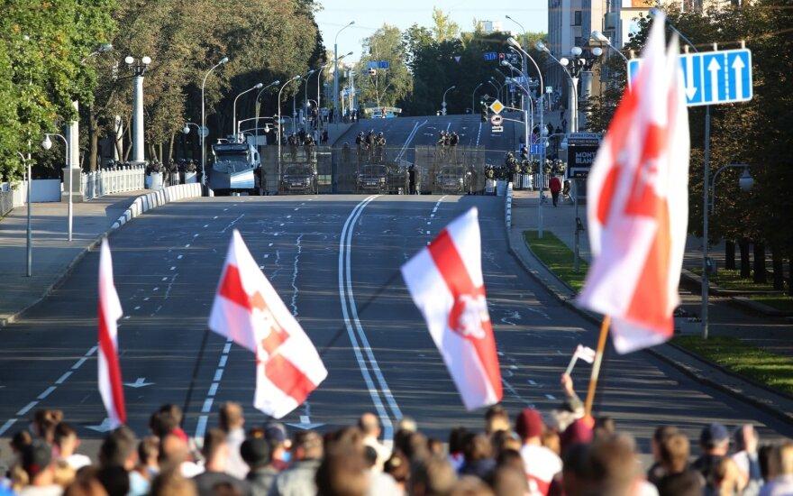 Per protestus Baltarusijoje sulaikyta maždaug 200 žmonių