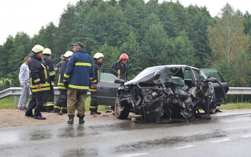 Didelė avarija kelyje Leipalingis-Veisiejai – sužaloti 6 žmonės, kaltininkas neblaivus