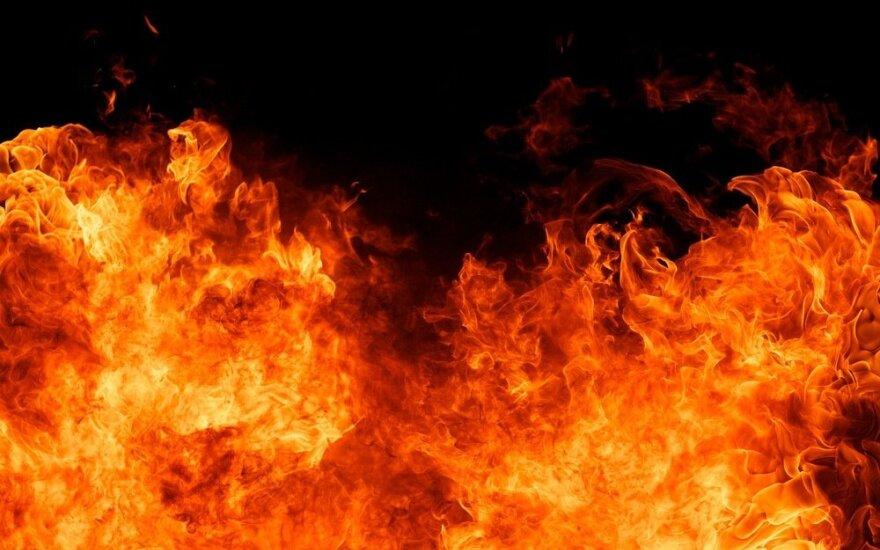 Raseinių rajone žiauriai nužudyta moteris: vyras ją padegė
