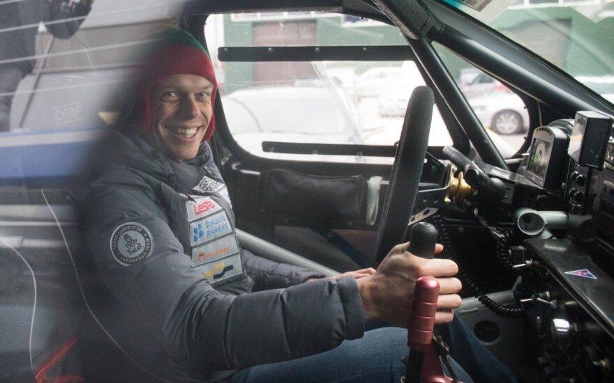 """""""Agrorodeo"""" komanda išvežė turimą techniką į Dakaro ralį"""