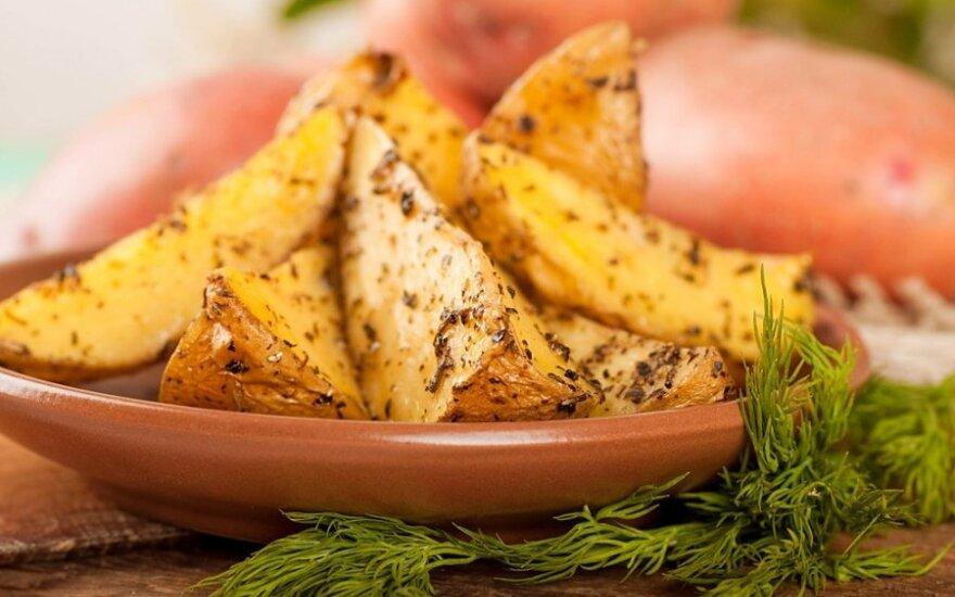 Česnakinės bulvių skiltelės