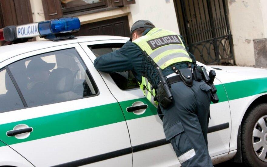 Liepą policijos keliuose bus labai daug
