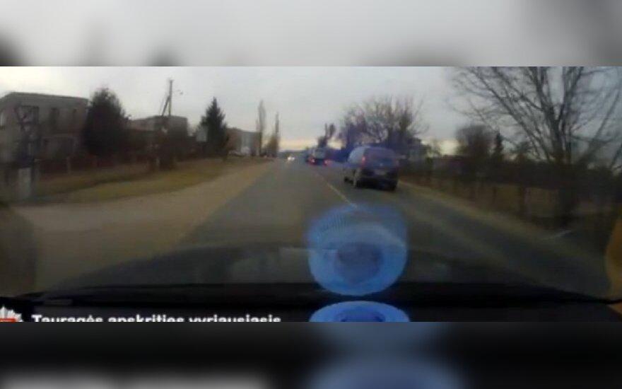 Policija vejasi KET pažeidėją