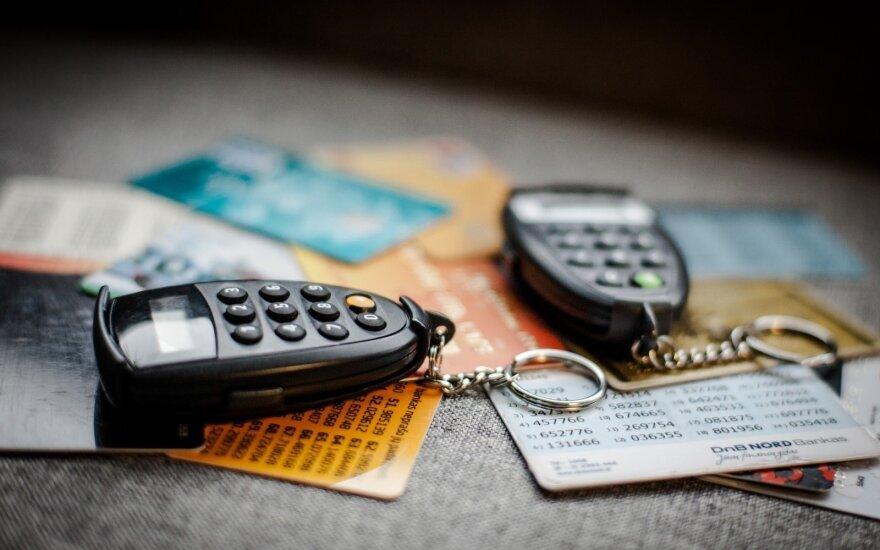 Po savaitgalio mėginimų pergudrauti bankomatus: ar jūsų banko kortelės ir duomenys saugūs?