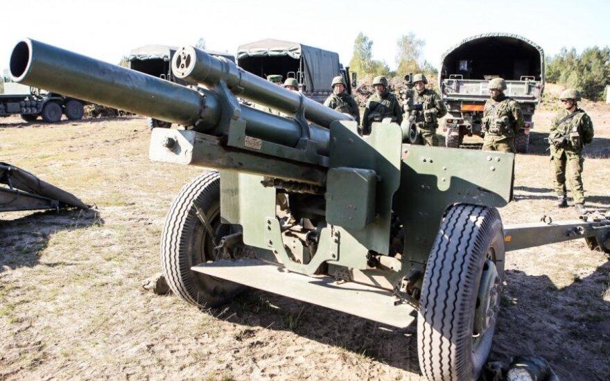 Lietuva pasirašo sutartį dėl artilerijos pabūklų iš Vokietijos pirkimo