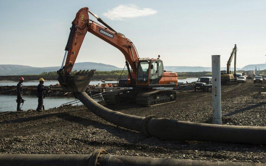 Sibire – nauja ekologinė katastrofa, iš vamzdyno į ežerą išsiliejo 45 tonos aviacinių degalų