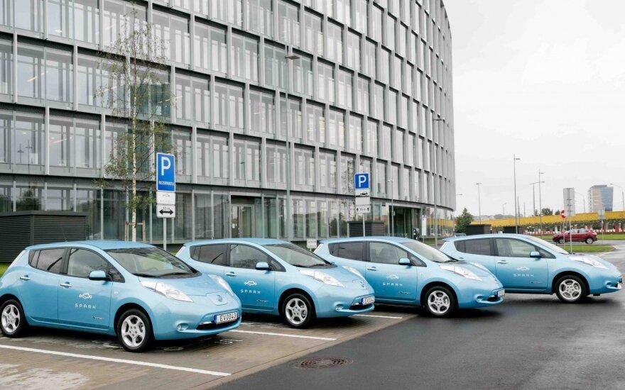 """Elektromobiliai """"Nissan Leaf"""""""