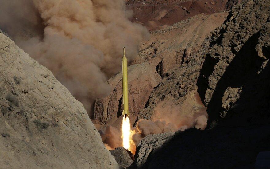 Iranas pristatė naują, tikslesnę balistinių raketų technologiją