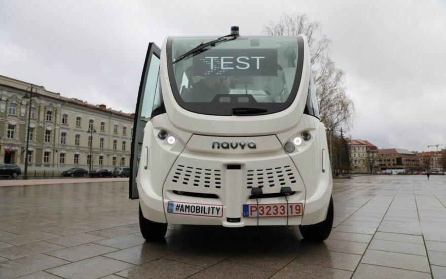 Vilniuje trečiadienį išbandytas pirmasis Lietuvoje savaeigis automobilis NAVYA ARMA