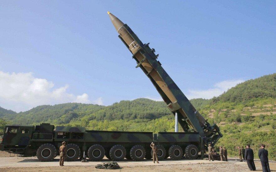 Įspėja pasaulį: Šiaurės Korėjos keliama grėsmė jau tapo globali