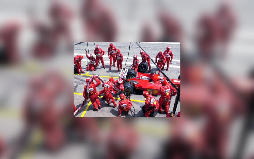 """Ferrari"" mechanikų komanda"
