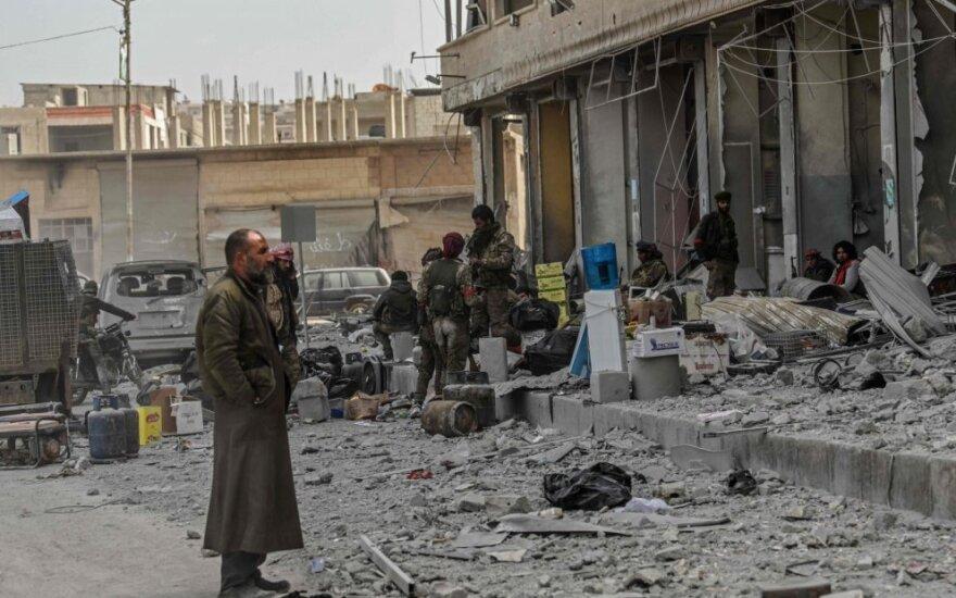 Sirija pasirašė su Iranu susitarimą dėl karinio bendradarbiavimo ir atstatymo