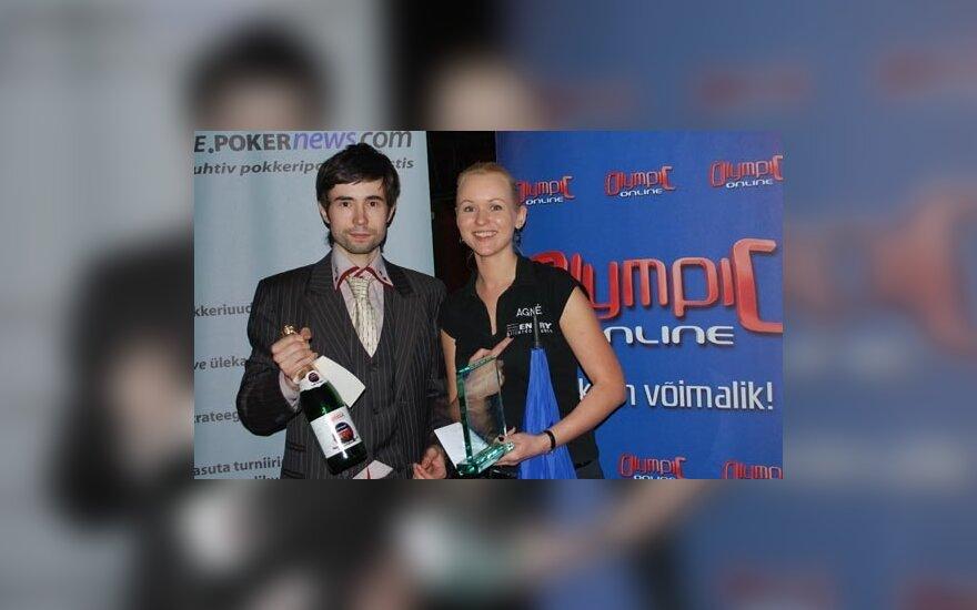 Varžybų teisėjas D.Dimitrijevas ir A.Jarušauskaitė