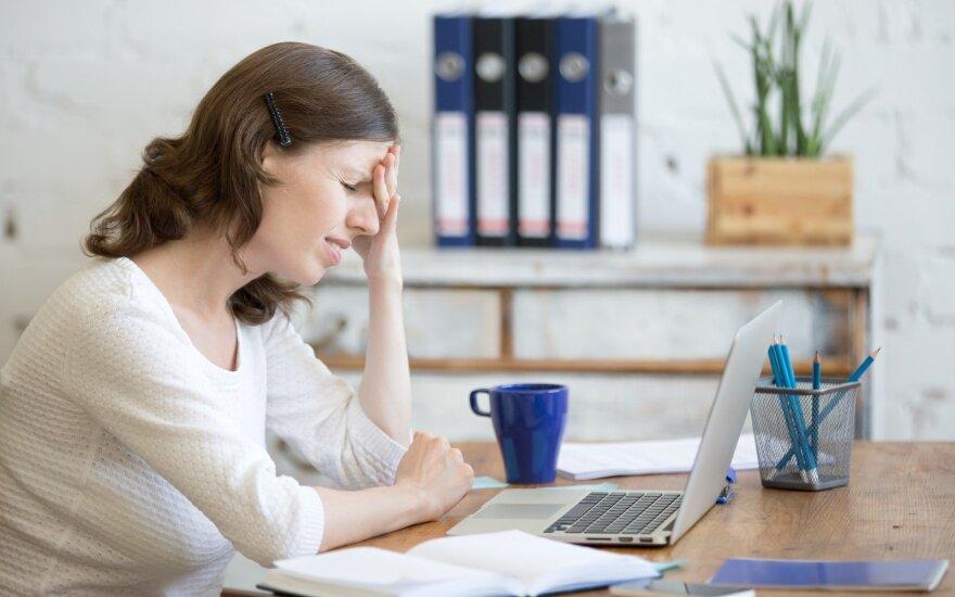5 dažniausios grėsmės sveikatai, dirbant sėdimą darbą