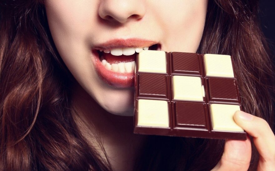 Per mažai miegantys žmonės suvartoja daugiau kalorijų