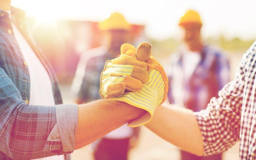 Darbdaviai atsigauna – apie didžiausius įdarbinimo planus praneša Jungtinė Karalystė, Airija, Lenkija