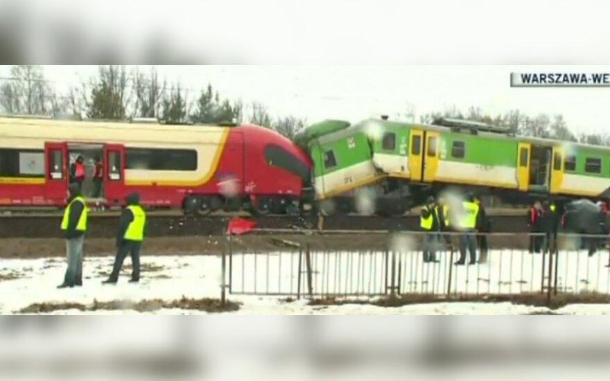 Netoli Varšuvos susidūrė du keleiviniai traukiniai, yra sužeistų