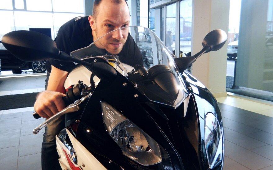 """Šarūnas Pladas grįžta į galingiausių motociklų klasę su """"BMW S1000RR"""""""