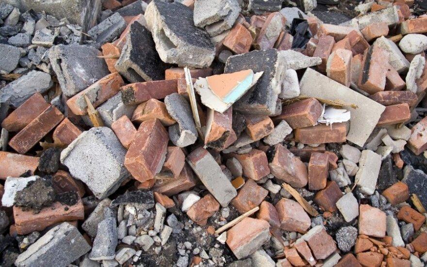 Benamiai įtariami iš kultūros paveldo objekto išnešę daiktų už 20 tūkst. Lt