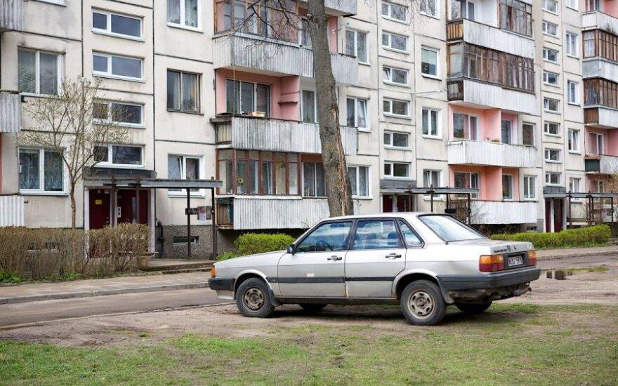 Rekomendacijos Lietuvai: sumažinkite mokesčius dirbantiems, imkitės NT ir automobilių