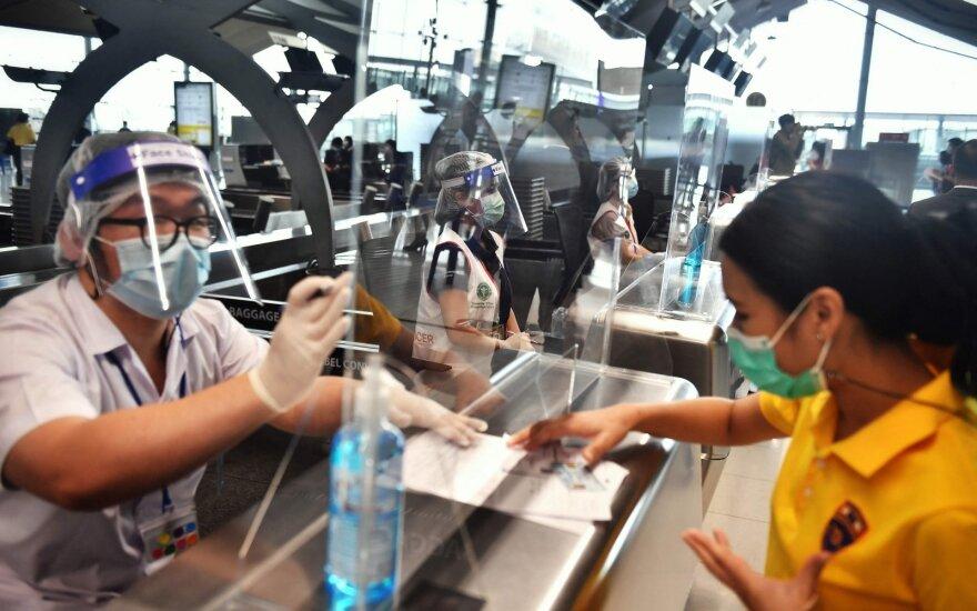 Ne visos vakcinos atvers duris: kyla pasaulinio tautų skilimo grėsmė