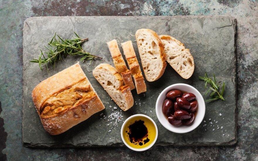 Alyvuogių aliejus ir duona