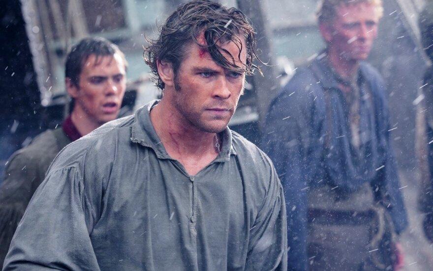 "Chrisas Hemsworthas filme ""Vidury vandenyno"""