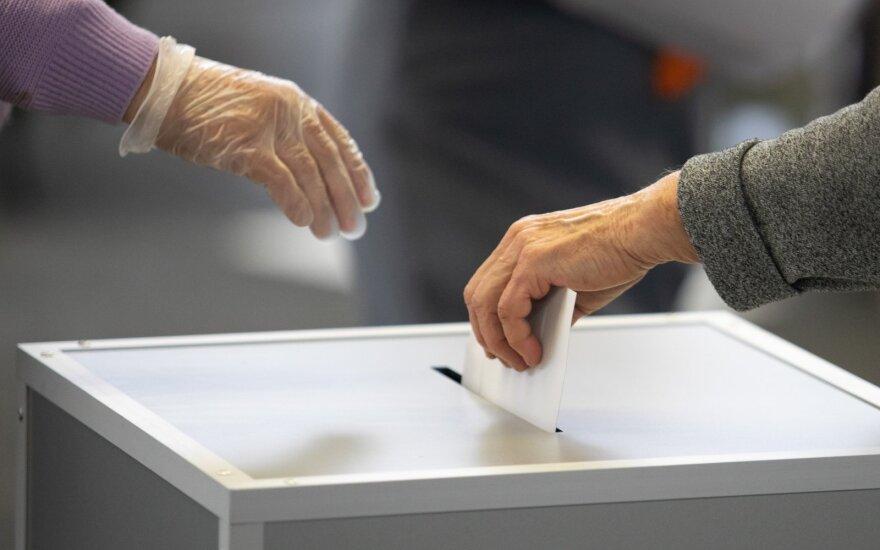 Radviliškio mero rinkimuose prasideda balsavimas namuose