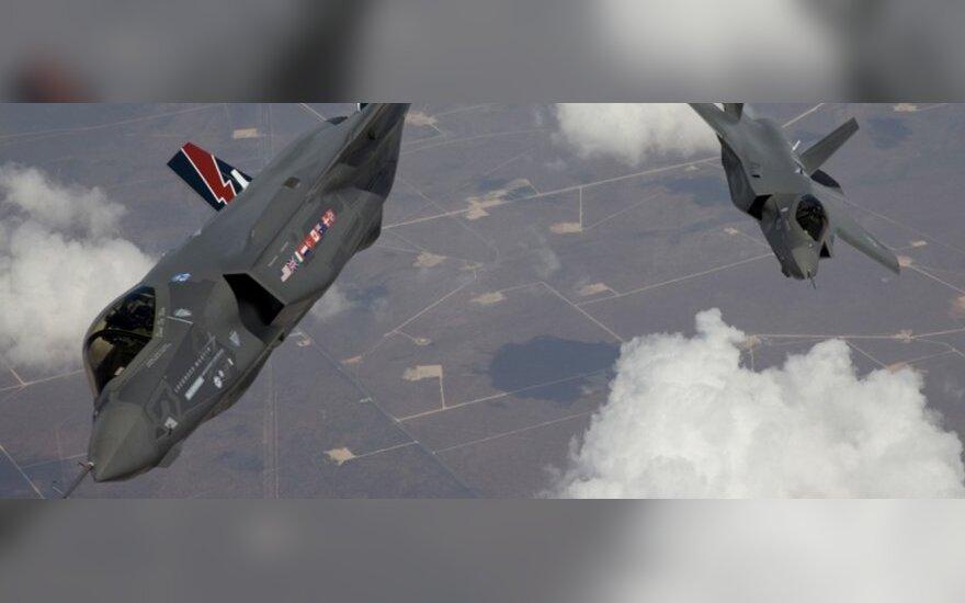 NATO per vieną dieną Libijoje subombardavo 32 ginklų sandėlius