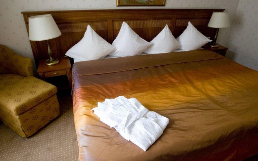 Raudondvario dvaro tarnų namai virs viešbučiu