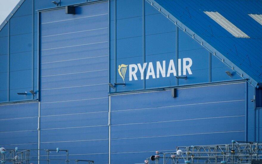 """Dėl pilotų streiko Airijoje """"Ryanair"""" atšaukia 30 skrydžių"""