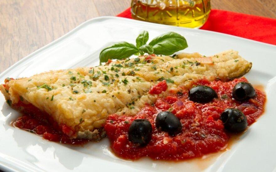 Jūros ešerys su pesto padažu ir džiovintais pomidorais