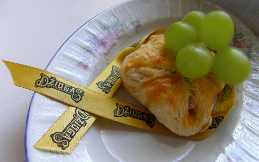 Bandelės su sūriu ir avokadais