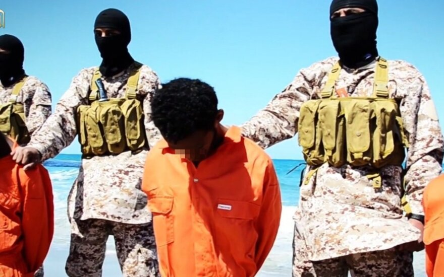 """JAV pritaikė sankcijas """"Islamo valstybės"""" veikėjams"""