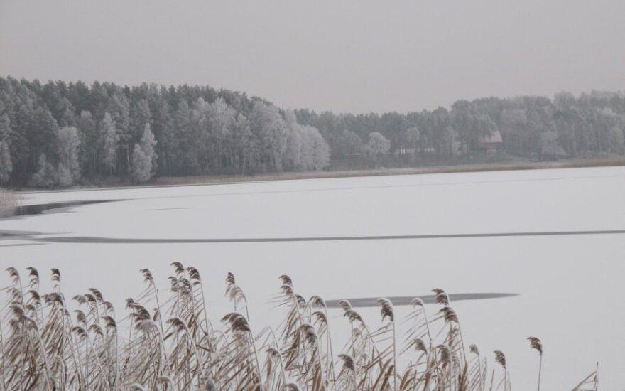 Žvejyba ant ledo Lentvaryje – vienas žvejas žuvo, kitas ligoninėje