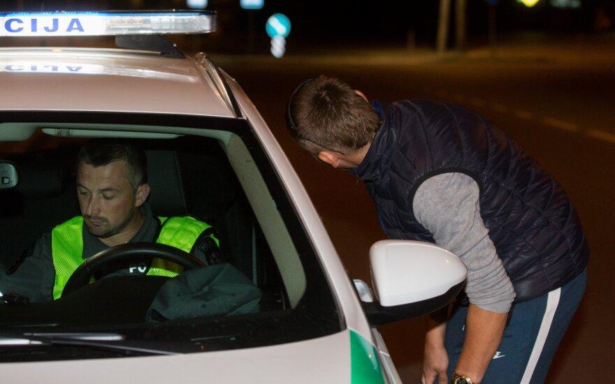 Karštas savaitgalis pareigūnams: įkliuvo 169 neblaivūs vairuotojai