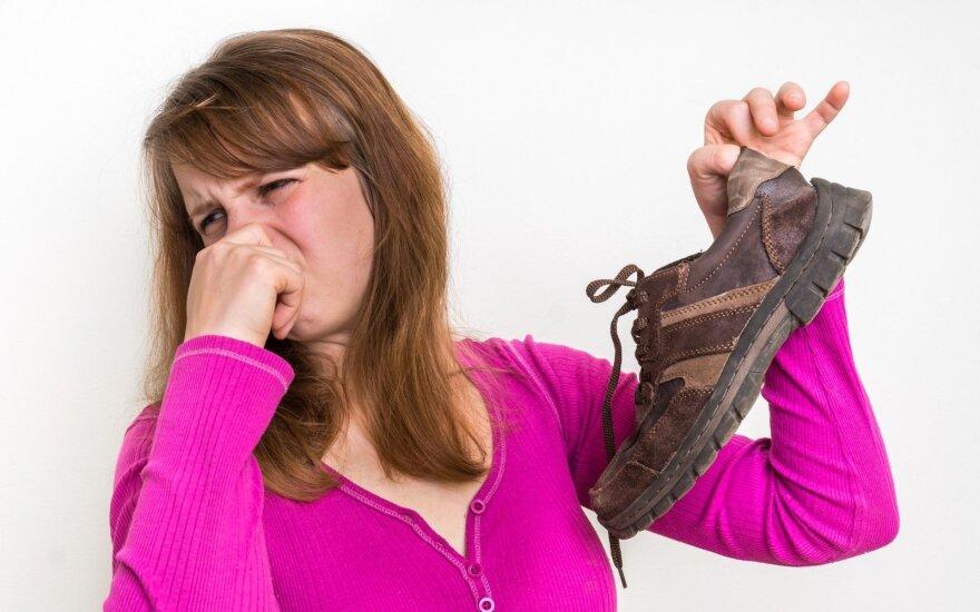 Blogas batų kvapas