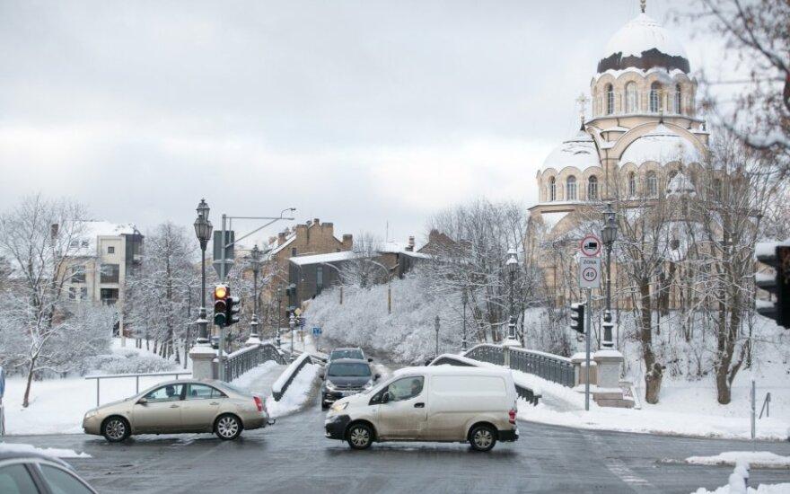 Naktį didesnio sniego nenumatoma, žemiausia oro temperatūra – 20-25 laipsniai šalčio