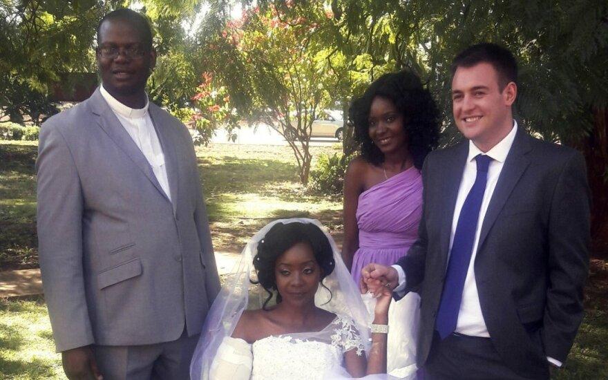 Zimbabvėje krokodilo sužalota nuotaka susituokė ligoninėje