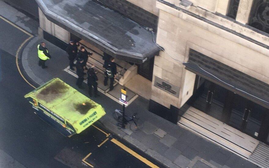 """Londono """"Sony"""" biure – sujudimas: pranešama apie 2 sužeistus asmenis"""