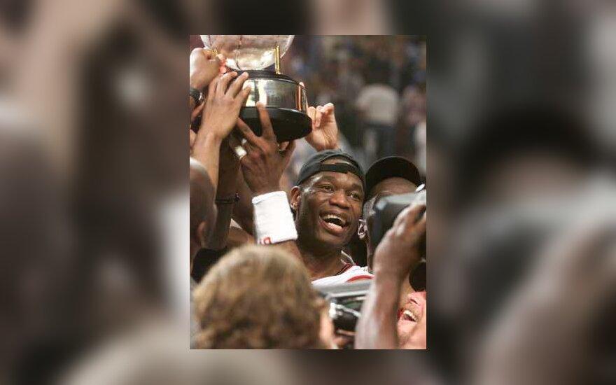"""Dikembe Mutombo, """"76ers"""""""