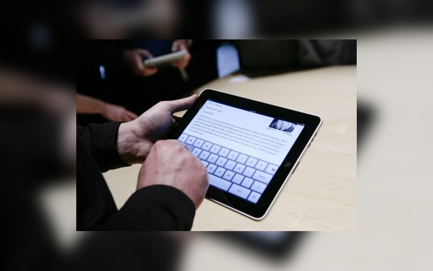"""EP nariams už 17 mln. litų bus perkami """"iPad"""" kompiuteriai?"""