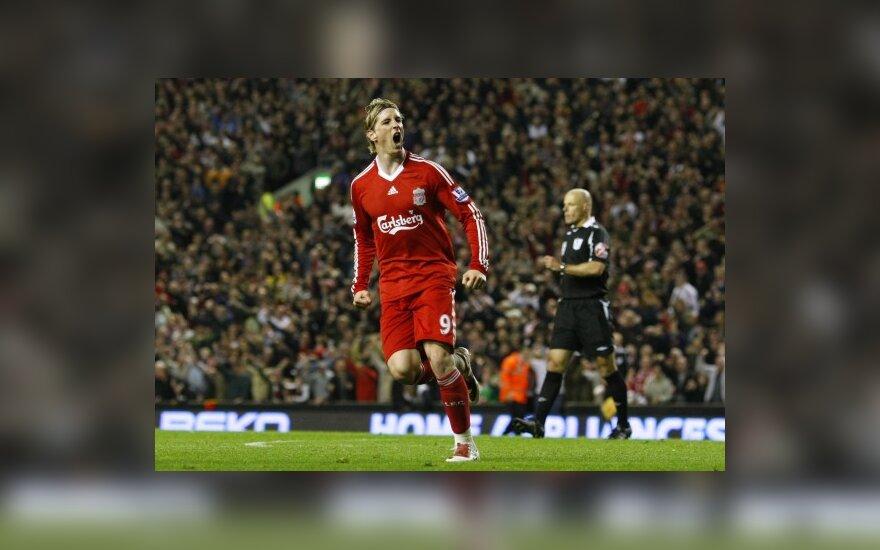 """F.Torresas atnaujino sutartį su """"Liverpool"""""""