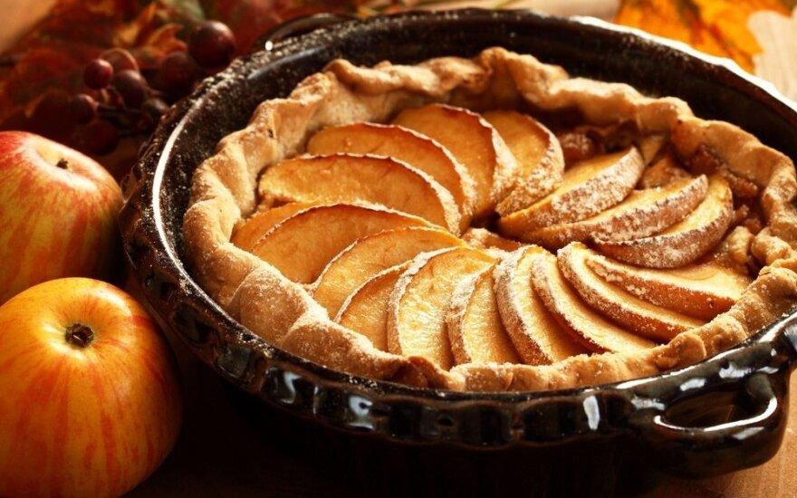 4 nauji obuolių pyragų receptai