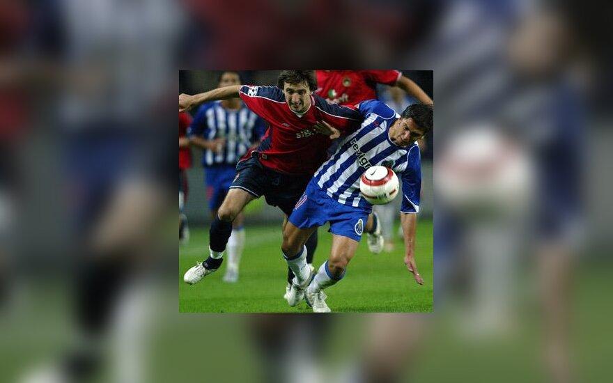 "Deividas Šemberas (Maskvos CSKA) vs. Helder Postiga (""FC Porto"")"